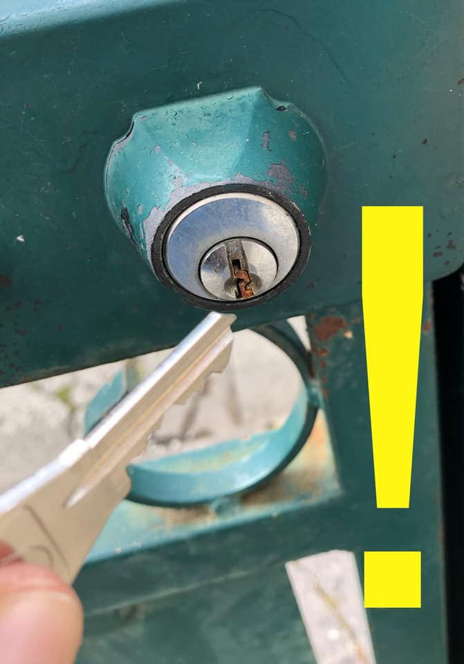 how to extract a broken key