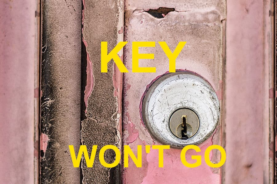 It is difficult to insert the key inside the lock.